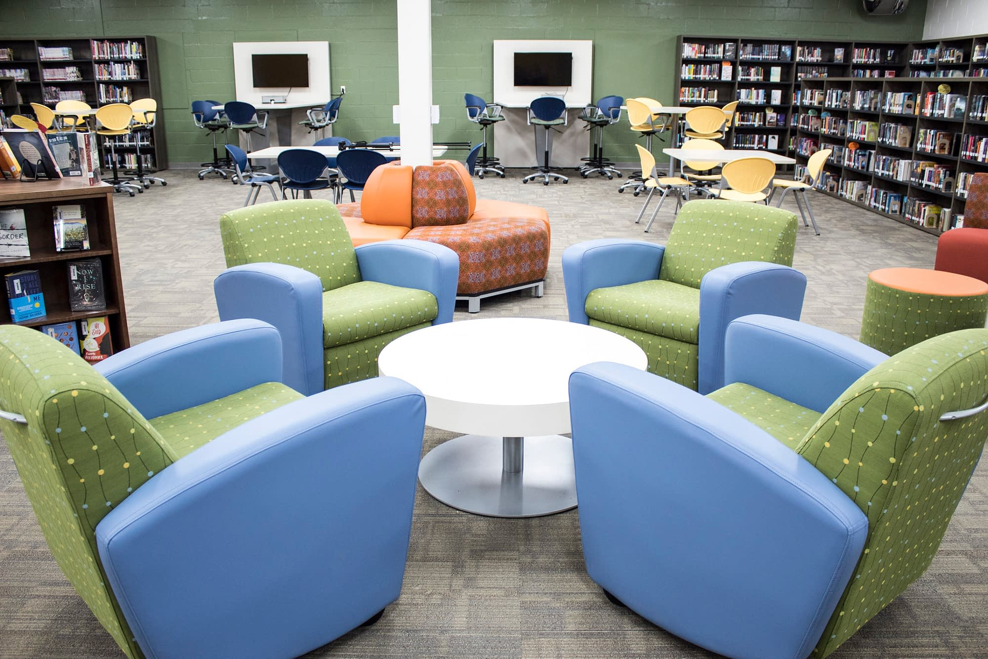 Library Reno Mobile Seat Lounges with Tble